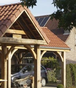 houten carport met zadeldak