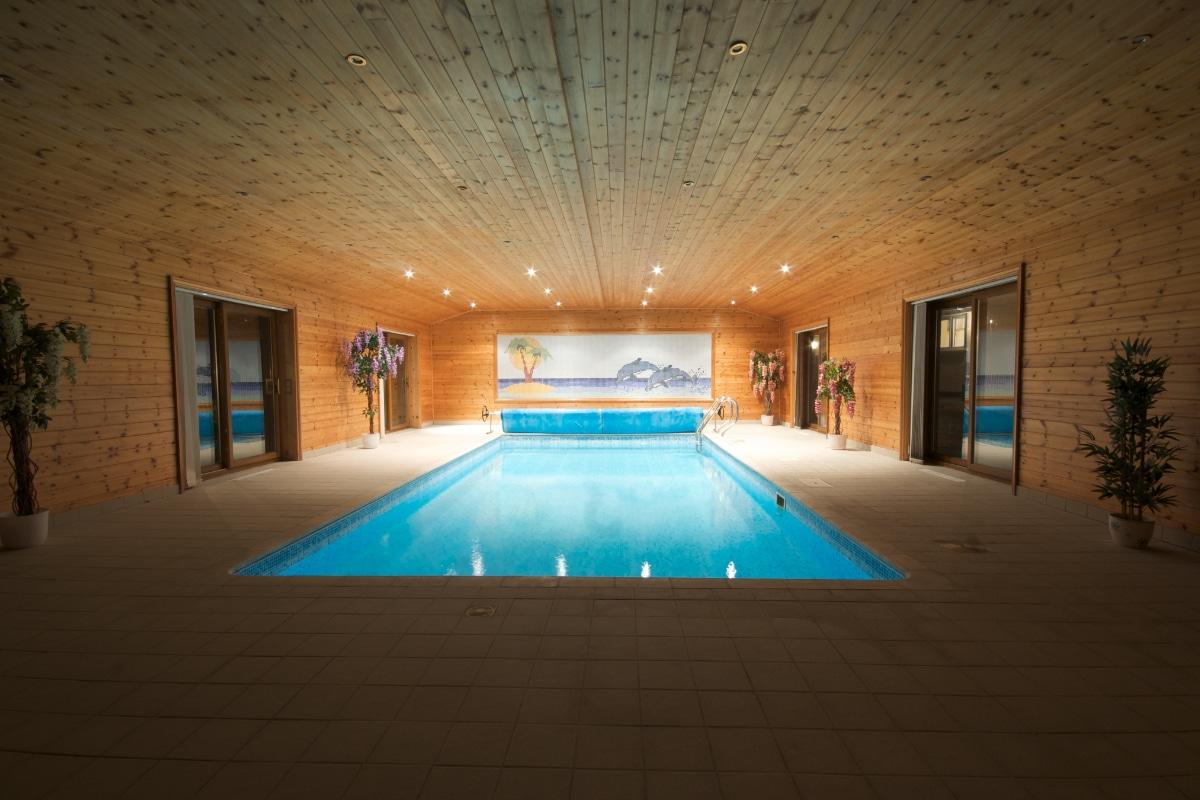 houten poolhouse bijgebouw
